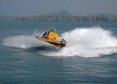 Venture Jet boat doing jet boat spin or doughnut